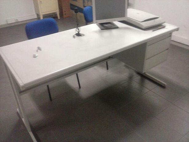 Secretarias/armarios/cadeiras
