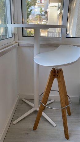 Mesa alta + Cadeira