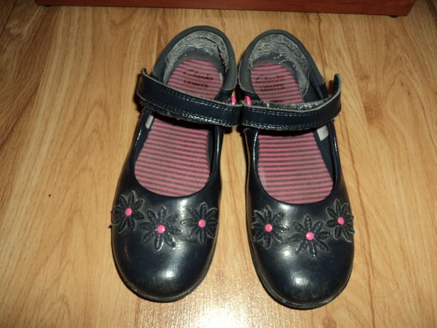 Обувь для девочки. Туфлі Clarks