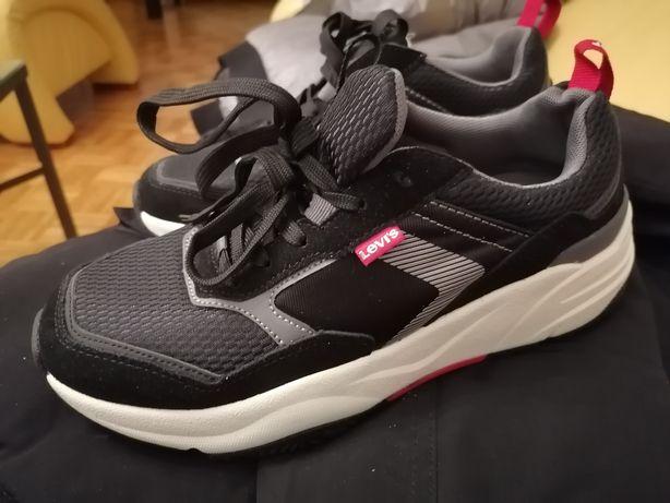Levis sneakersy męskie 42 Nowe