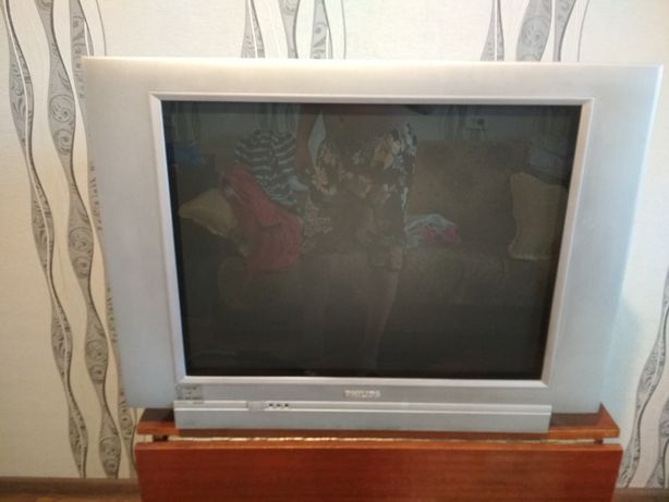 Продам не работающий ТВ Philips 29 дюймов, без пульта