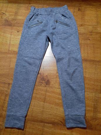 Wygodne spodnie dla dziewczynki