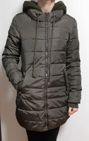 Продам женскую  куртку фирмы Colin'c.