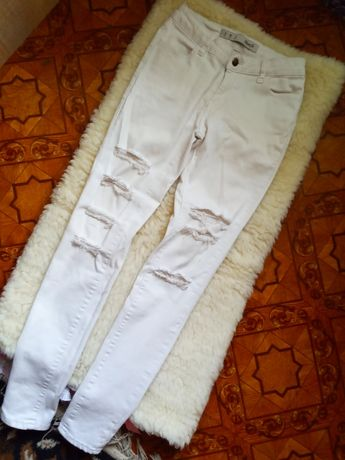 Крутые джинсы бойфренды скинии