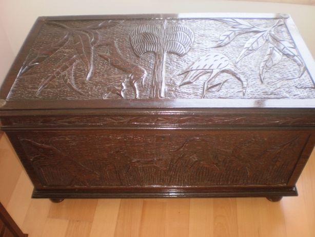 Arca em madeira