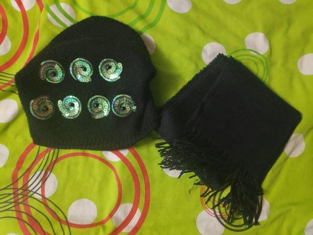 Осенняя черная шапка (Kamea)