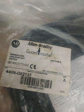 Безконтактный выключатель безопасности 440N-G02137