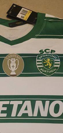 Camisola do Sporting com símbolo de Campeão