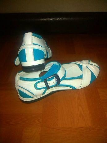 Новые. Кожаные Босоножки, туфли кожа натуральная.