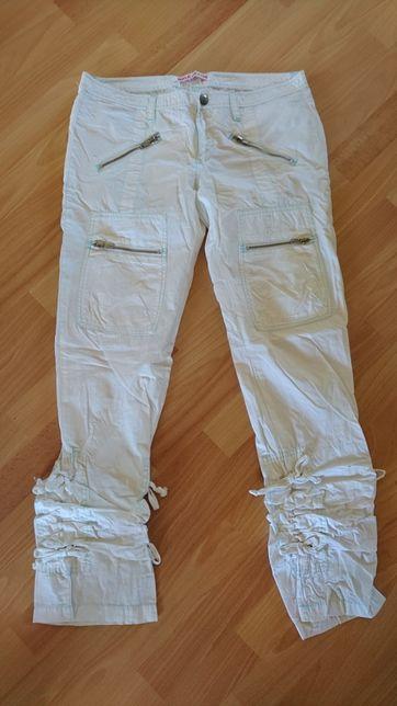 Białe spodnie na lato r. M