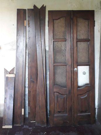 Двері міжкімнатні двостворчаті.
