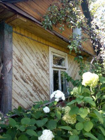 Продам будинок дерев'яний з надвірними спорудами