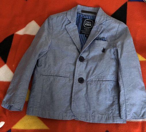 Пиджак на мальчика.