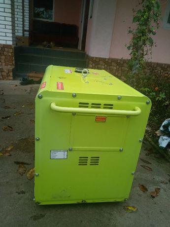 Продам електрогенератор на 7кВт