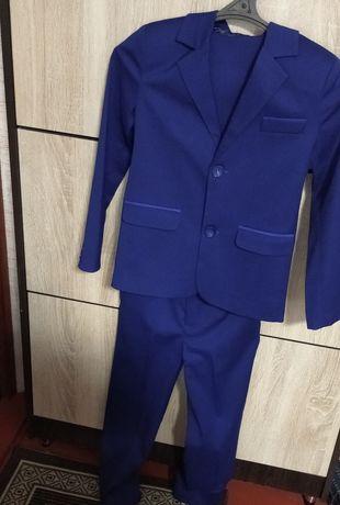 Одяг для хлопчика-школяра