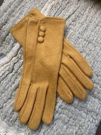 Rękawiczki musztarda Rossmann