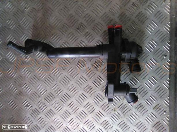 Corpo do Termostato VW POLO 1.2i GASOLINA de 2010  Ref OSC121111B