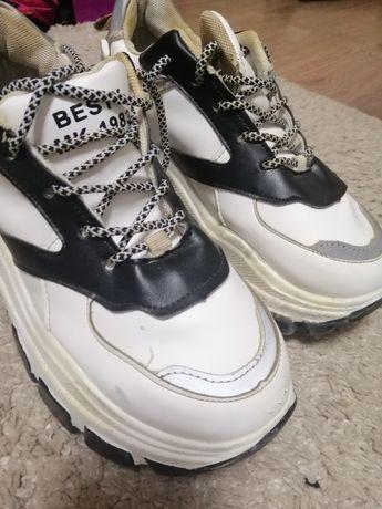 Срочно продам кросы