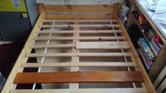 Łóżko drewniane 130x190 na nóżkach