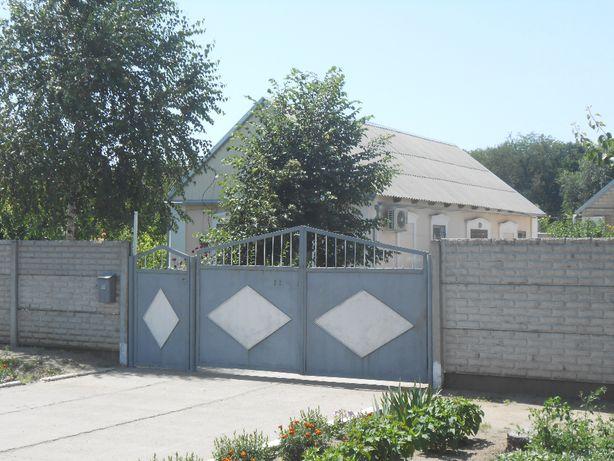 Продам дом с капитальным ремонтом в Константиновке.