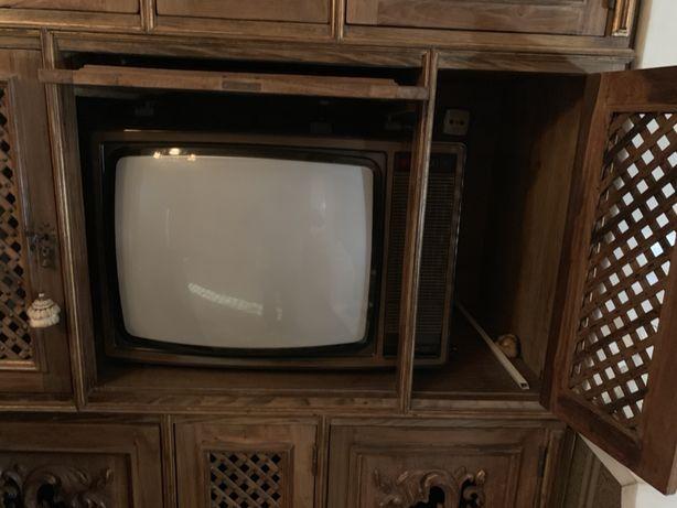 Televisores a preto e branco