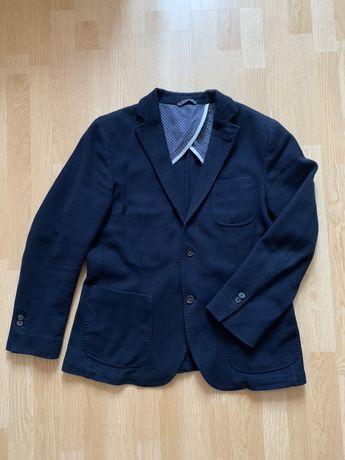 Пиджак Massimo Dutti.