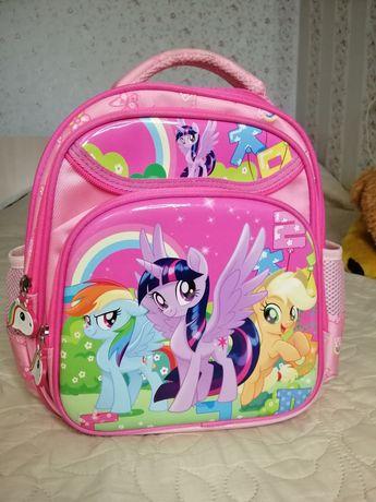 Рюкзак, портфель в школу для первоклашки