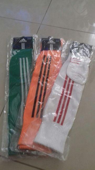 Футбольные гетры Adidas.