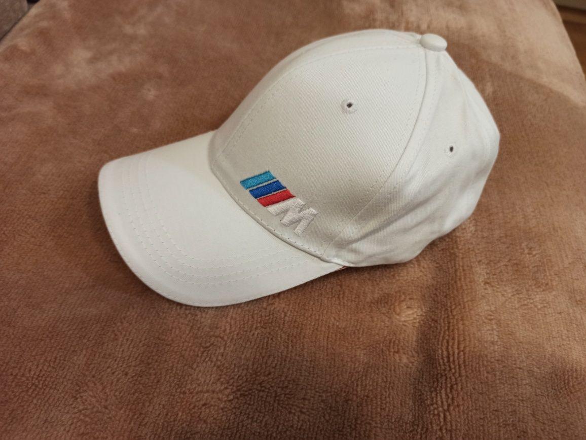 Czapka z daszkiem biała  haft logo samochodowe BMW NOWA