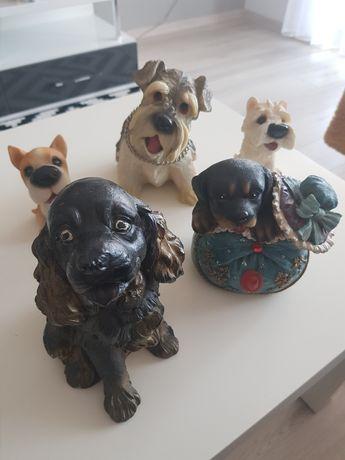 Kolekcja psów z porcelany