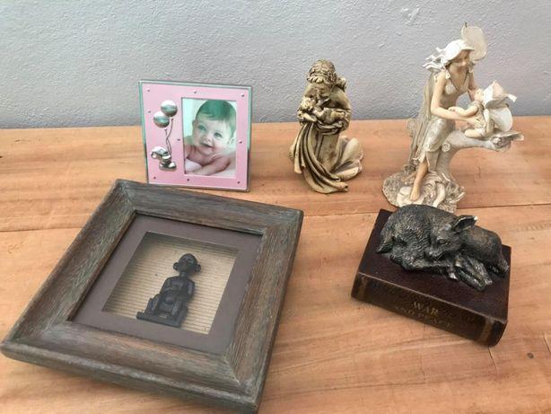 Molduras e estátuas