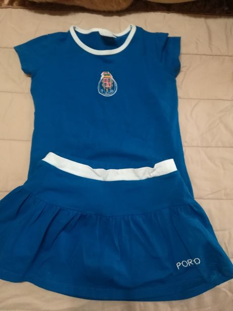 Conjunto de camisola e saia calções do Porto e leggings