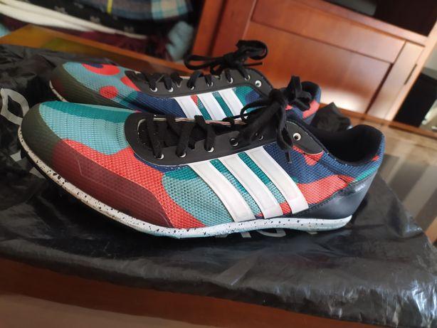 Tênis de bicos- Adidas distancestar
