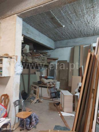 Armazém, 310 m², Portimão