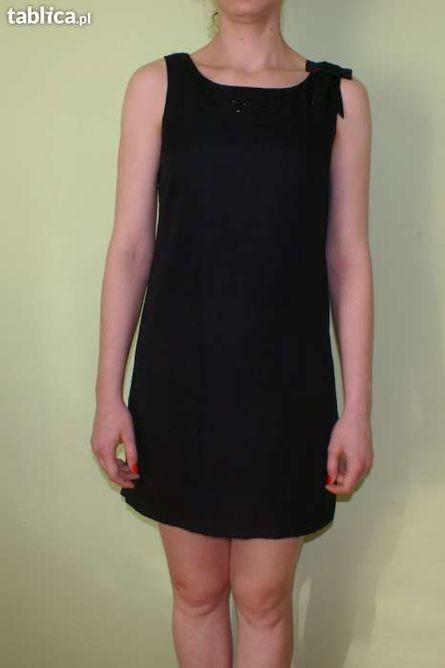 Czarna sukienka 19zł.