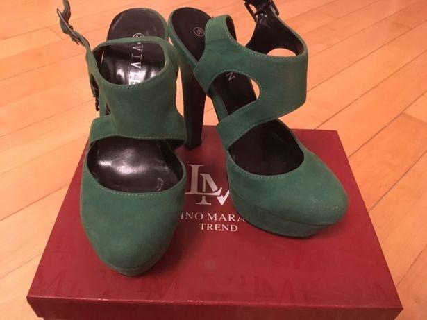 Туфли зелёного цвета