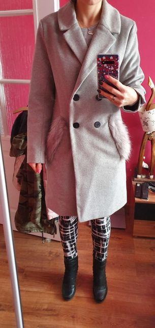 Płaszcz zimowy Carry XS, (raczej S/M) piękny założony 3 razy.