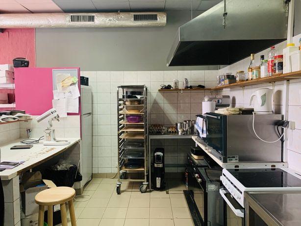 Lokal z wyposażeniem gastronomicznym na Woli