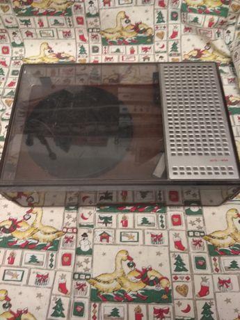 Stary zabytkowy gramofon fonica wg414