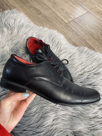 Eleganckie buty półbuty czarne 39