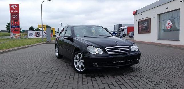 Mercedes 2006r. C-klasa W203 2.2 CDI