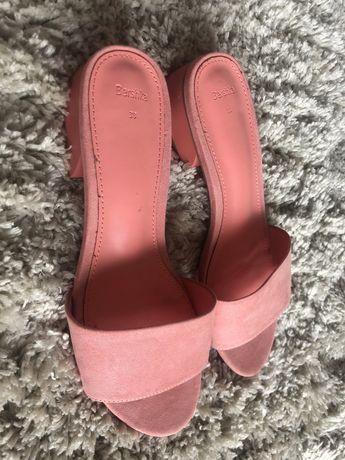 Sprzedam nowe buty/ klapki Bershka rozm.38