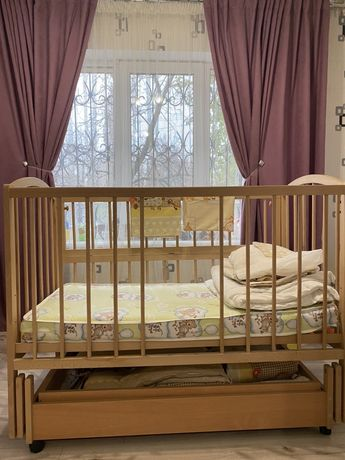 Кроватка недорого с постельным!