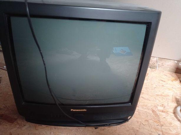 "Oddam telewizor 21"""