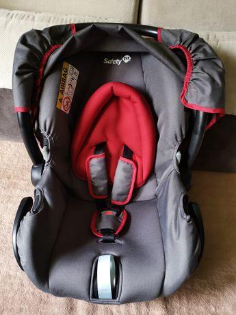 Fotelik samochodowy Besafe Safety 1st z adapterami