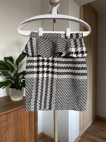 Spódnica mini w kratę z baskinką, arafatka