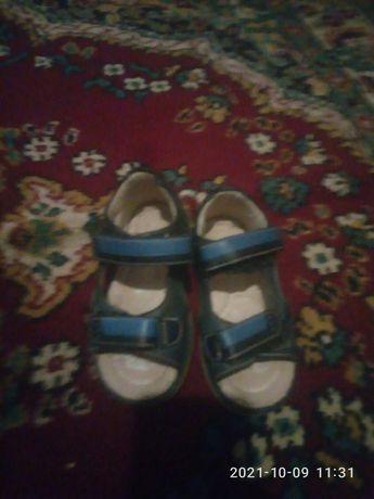 туфельки і босоніжки