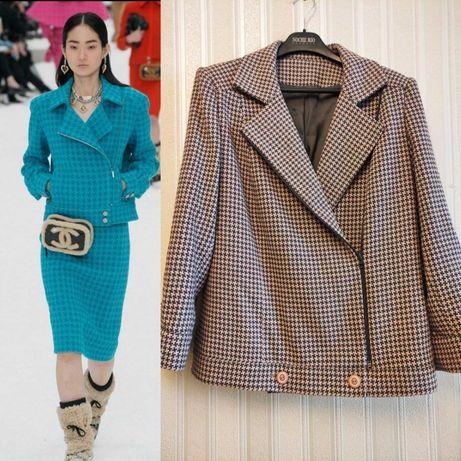 Косуха куртка  в стиле Шанель твид гусиная лапка