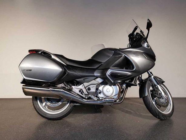 Мотоцикл Honda NT 700 V