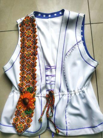 Продам український вишитий костюм